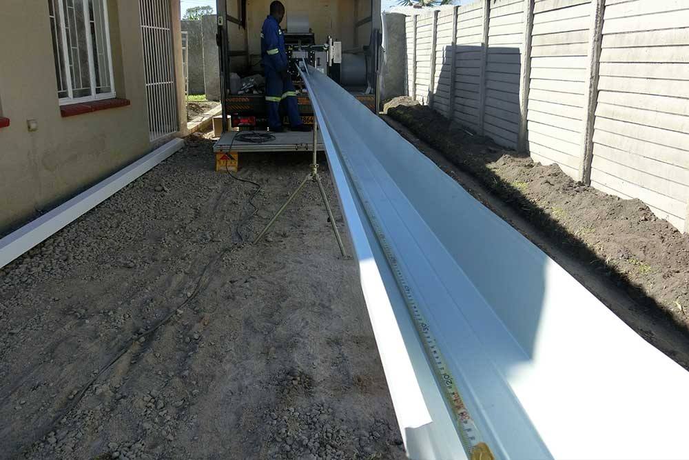 Seamless Gutter Mobile Factory Manufacturing Gutters On